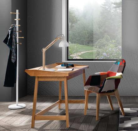 Arredamento Personalizzato Living: Soggiorno in stile in stile Coloniale di MD WORK SRL
