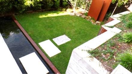 Modern Zen Garden In Woking U.K: Zen Garden By GreenlinesDesign Ltd