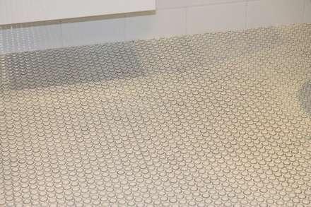 Thorpe Bay, Essex - Residential: classic Bathroom by Peach Studio