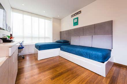 MONDRIAN: Habitaciones para niños de estilo moderno por Munera y Molina