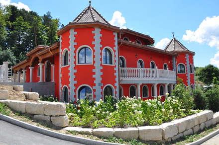 Villas by Pietre di Rapolano