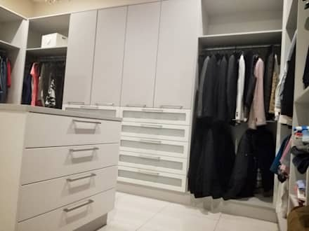KITCHEN AND BEDROOM CUPBOARDS: modern Dressing room by Première Interior Designs