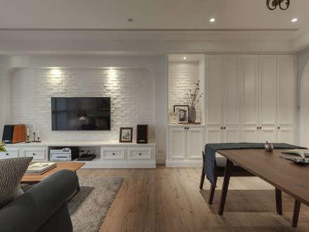 country Living room by 存果空間設計有限公司