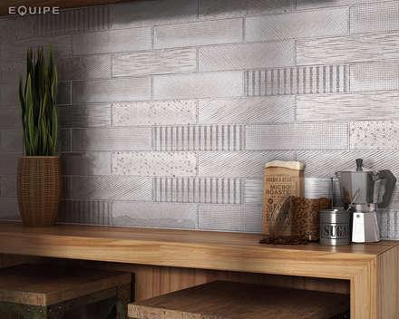 Splendours Fabric Grey 7,5x30 cm: Cocinas de estilo mediterráneo de Equipe Ceramicas