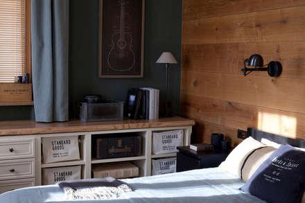 Квартира на Таганке: Спальни в . Автор – SumburBuro