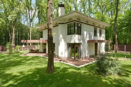 СВЕЖЕСТЬ ЛЕСА: Дома на одну семью в . Автор – Архитектурное бюро Materia174