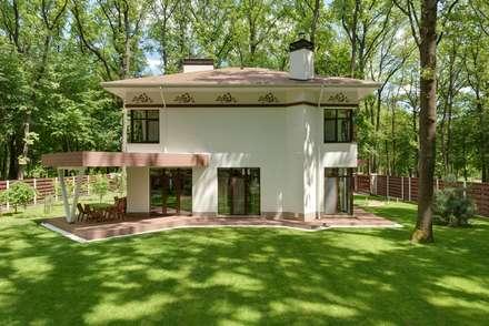 СВЕЖЕСТЬ ЛЕСА: Дома с террасами в . Автор – Архитектурное бюро Materia174