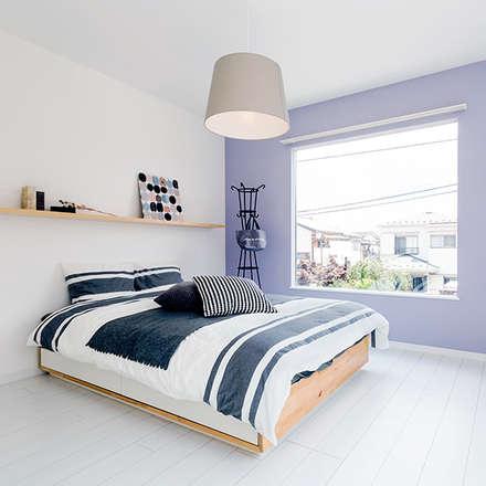 カスタマイズ次第であなたの好みに合わせた内装デザインに!: オレンジハウスが手掛けた寝室です。