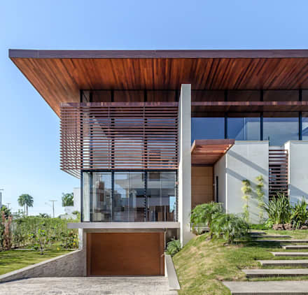 Roof by Ruschel Arquitetura e Urbanismo