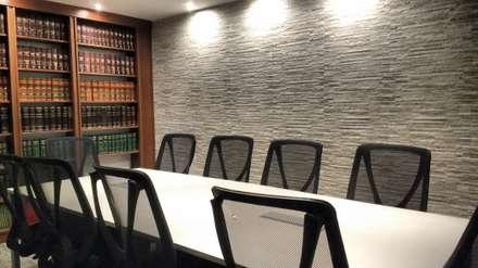 ESTUDIO: Estudios y oficinas de estilo ecléctico por Estudio Dossier Interior