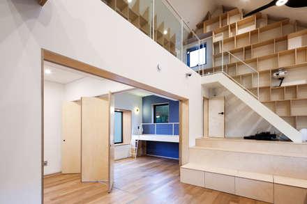 modern Living room by (주)유타건축사사무소