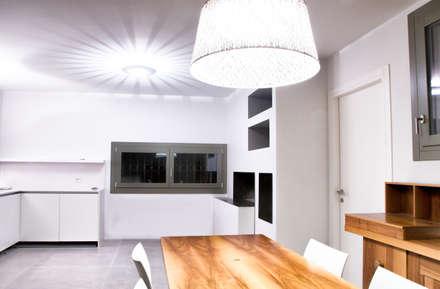 Ristrutturazione residenziale : Cantina in stile in stile Moderno di Claude Petarlin