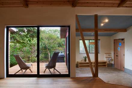 deck-doma: tai_tai STUDIOが手掛けた窓です。