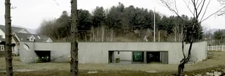 modern Houses by 백에이어소시에이츠