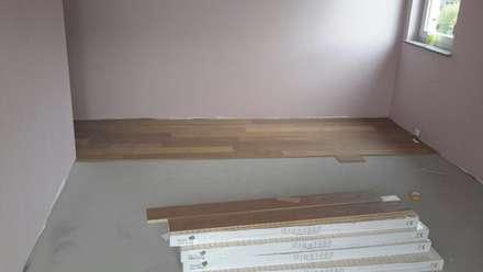 Landhausdiele verlegen: rustikale Schlafzimmer von Bleher Raumdesign & Handwerk
