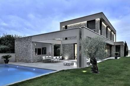 Maison darchitecte entièrement meublée par création contemporaine jardin dhiver de