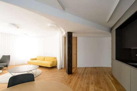 REFORMA DE VIVIENDA EN BILBAO: Salones de estilo minimalista de Garmendia Cordero arquitectos