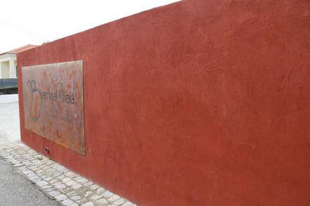 Barriga Cheia: Paredes  por Richimi Factory