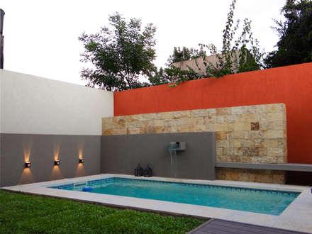 Piscinas Exclusivas: Piletas de estilo moderno por D'Odorico Arquitectura & Obras