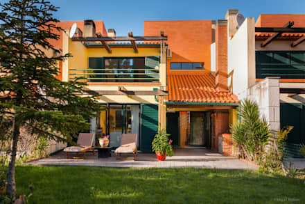 Moradia Mira Villas: Habitações  por Miguel Marnoto - Fotografia