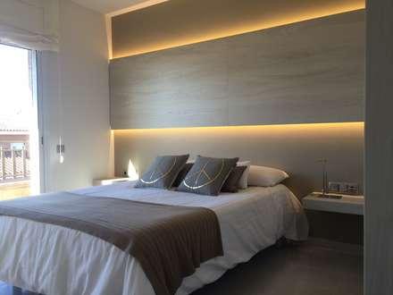 VIVIENDA R LA GARRIGA: Dormitorios de estilo moderno de inzinkdesign