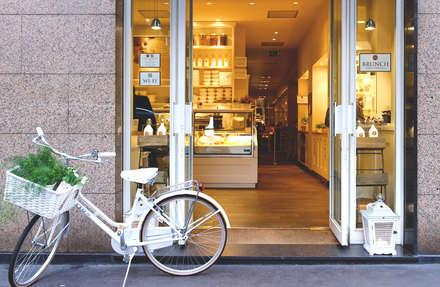 Biancolatte -Cucina, Caffè, Gelato, Pasticceria, Shop, Fiori, lifestyle - Milano: Spazi commerciali in stile  di Andrea Rossini Architetto
