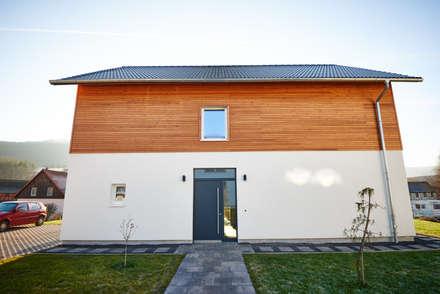 Passive house by PassivHausPartschefeld