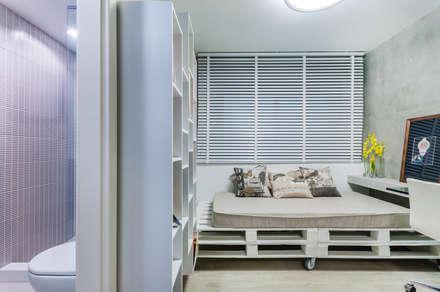 Dormitório Suíte Americana: Quartos  por ME Fotografia de Imóveis