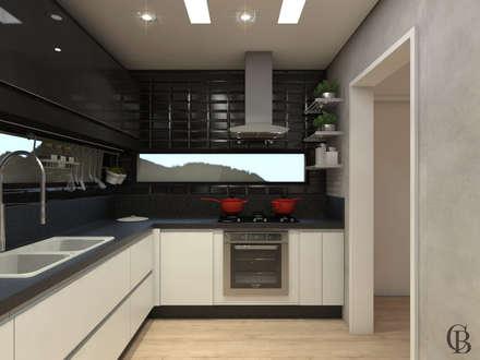 Кухонные блоки в . Автор – Caroline Berto Arquitetura