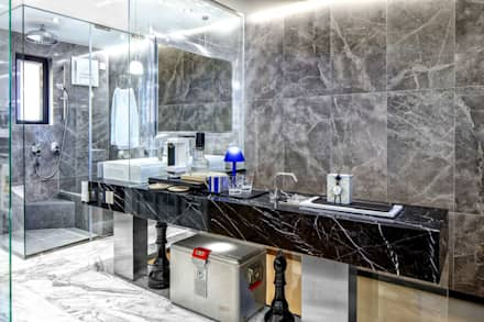 Fairview Park: classic Bathroom by Clifton Leung Design Workshop