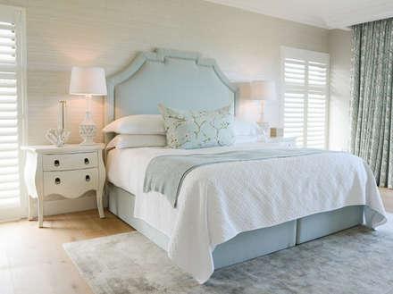 Coastal Living : classic Bedroom by Studio Mitchell