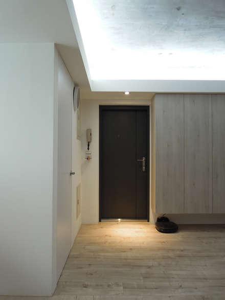 Li Residence:  門 by Fu design