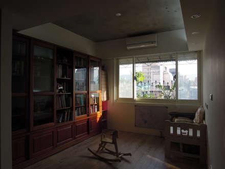 Li Residence:  書房/辦公室 by Fu design