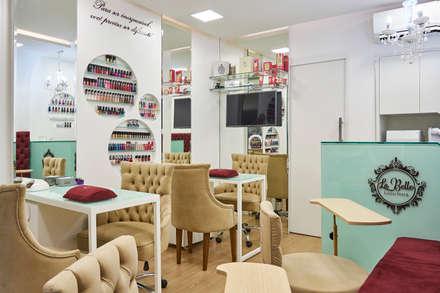 Commercial Spaces by Atelier A4 - Design de Interiores