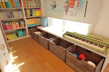 modern Nursery/kid's room by (주)더블유디자인