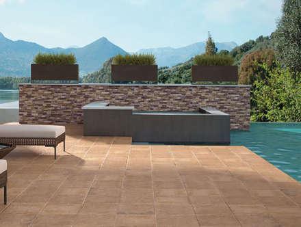 Alaplana Coralia 33x33: Terrazas de estilo  de Verde y Madera