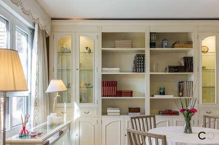 SALÓN: Salones de estilo colonial de CCVO Design and Staging