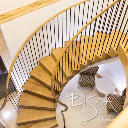 Rustic oak and steel staircase:  Stairs by Bisca Staircases