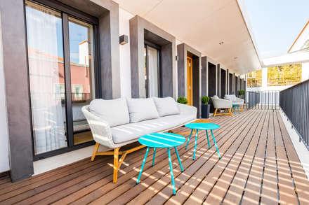 Bairro Alto - Apartamento T2: Terraços  por Sizz Design