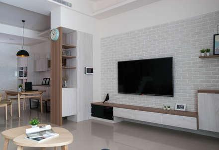 scandinavian Living room by 裏築空間設計 Lizhu Design