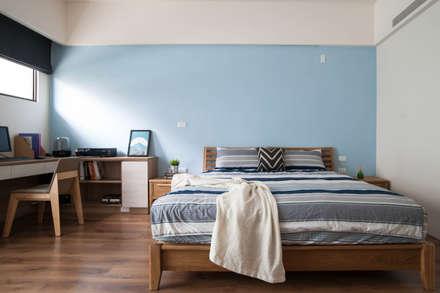 純粹的時光:  臥室 by 裏築空間設計 Lizhu Design