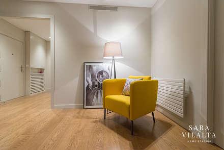 DECORACIÓN HOME STAGING: Pasillos y vestíbulos de estilo  de SV Home Staging