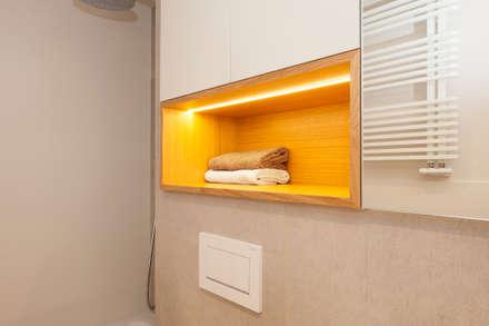 Nicho para toallas | Sincro: Baños de estilo escandinavo de Sincro