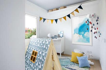 Un templo para la familia terrenal: Dormitorios infantiles de estilo mediterráneo de Egue y Seta
