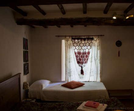 Camera da letto in stile rustico idee homify for 7 piani di casa di camera da letto