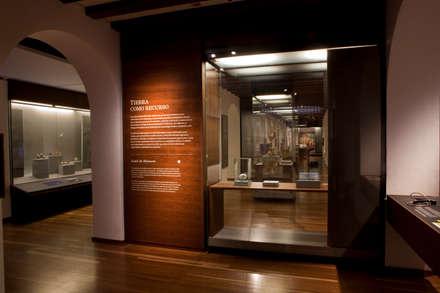 Museos de estilo  de Zet // diseño de espacios