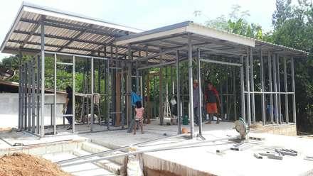 งานโครงสร้าง:  บ้านและที่อยู่อาศัย by P Knockdown Style Modern
