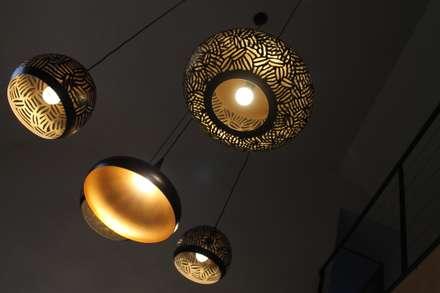 éclairage grands espaces: Salle à manger de style de style Industriel par BIEN DANS MA DECO