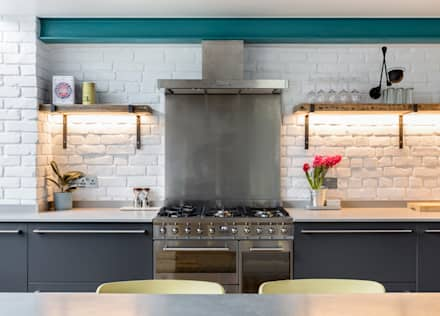 Modern Industrial Kitchen with reclaimed shelves:  Built-in kitchens by JMdesign