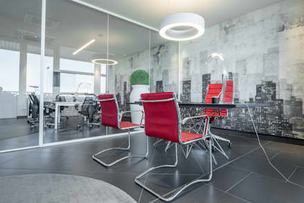 STARGATE Consulting and Training _ Ristrutturazione e Interior design (2015): Studio in stile in stile Minimalista di ITALIAN DESIGN STUDIO
